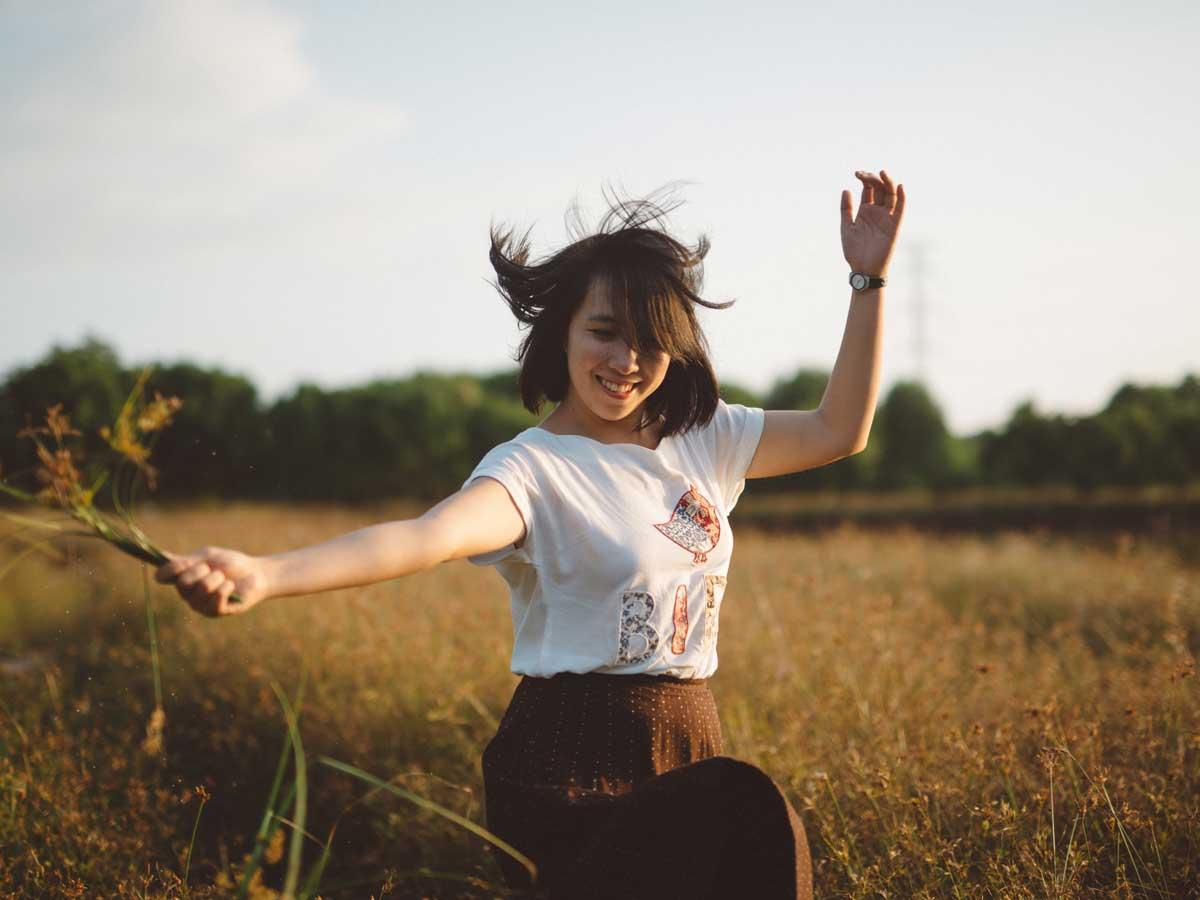 Wie die Brust mit Hilfe der Belastungen zu vergrössern